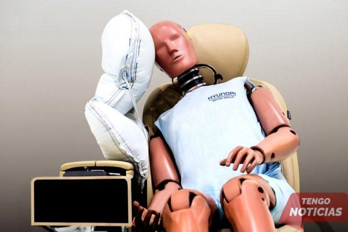 Hyundai desarrolla el airbag central 1