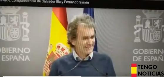 VÍDEO: A Fernando Simón portavoz del Gobierno se le escapa la risa cuando habla de una mujer fallecida