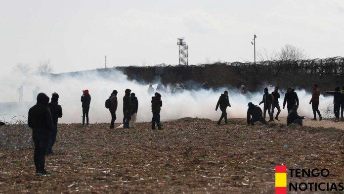 VÍDEO: Las autoridades Turcas ayudan a los refugiados a pasar a Grecia 1