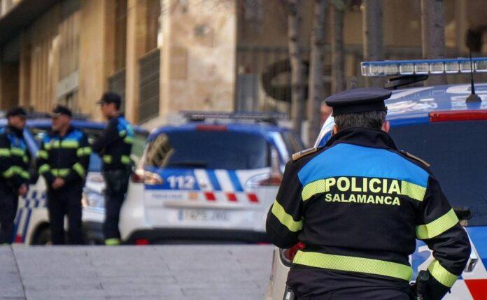 Un policía local es multado por participar en una fiesta ilegal 1