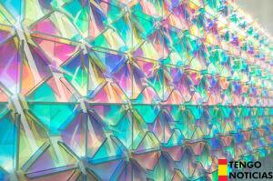 El vidrio dicroico - ¿Puede el vidrio cambiar la imagen de un país?