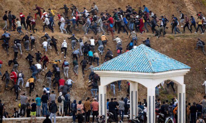 La crisis migratoria estalla en Ceuta 1